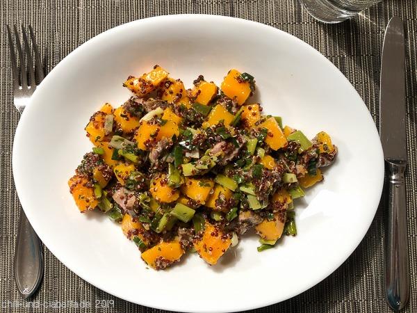 Kürbis-Quinoa-Salat mit Ahornsirup-Dressing