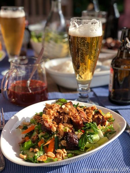 Vietnamesischer Reisnudelsalat  mit gegrilltem Zitronengrasschwein