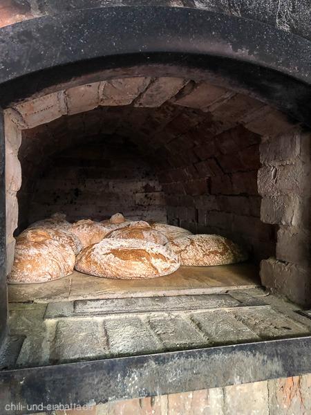 Brote im Ofen