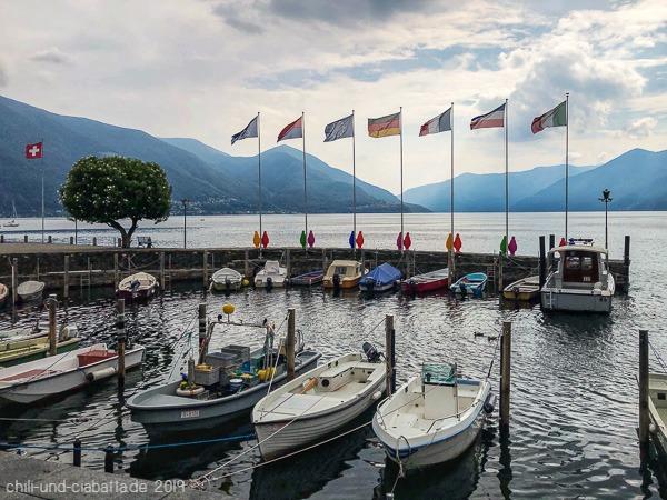 Flaggen am See