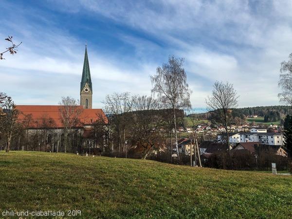 Kirche Teinach mit Kreuzweg