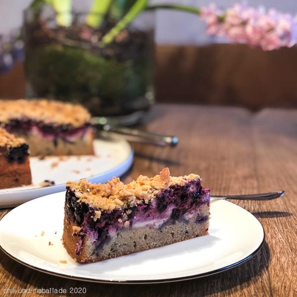 Heidelbeer-Mascarpone-Streuselkuchen