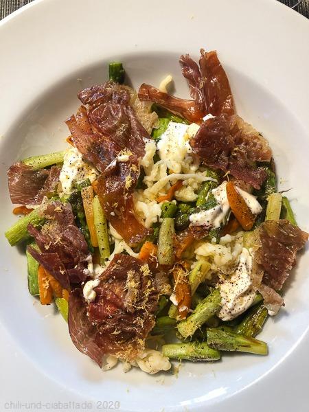Spätzle-Spargel-Salat