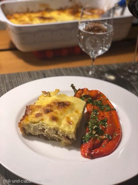 Goričina Pita mit Paprikasalat