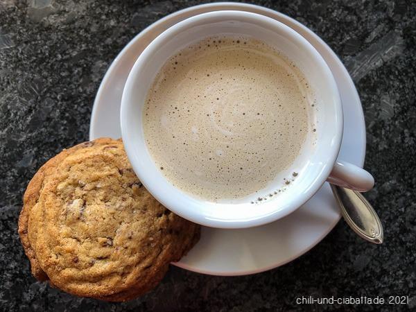 Kaffee und Cookie