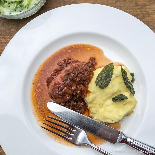 Bratwurst mit cremigem Püree