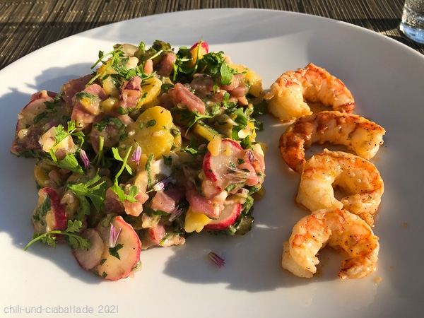 Kartoffel-Eier-Salat mit Garnelen