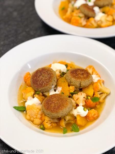 Blumenkohl-Curry mit Couscous-Talern
