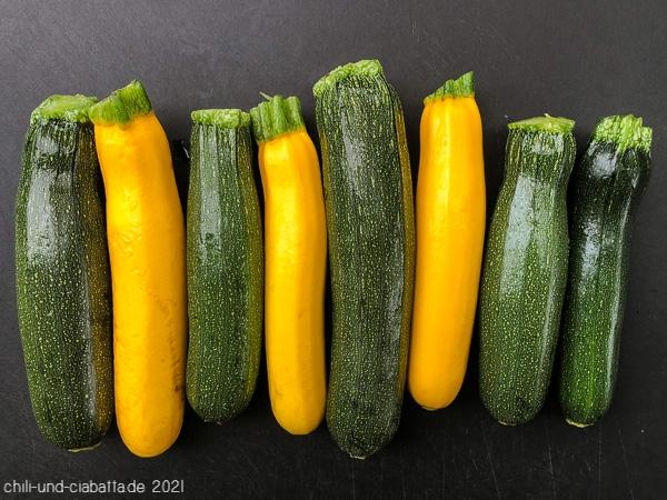 kleine Zucchini